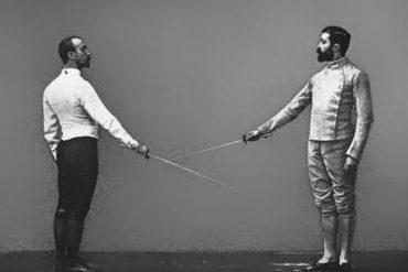 Manrique's Fencing Foil salute
